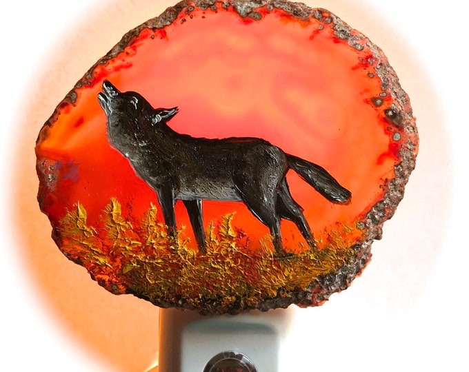 Agate Night Lights  Sensor w 7 watt bulb Hand Painted Oils  Wolf Night Light