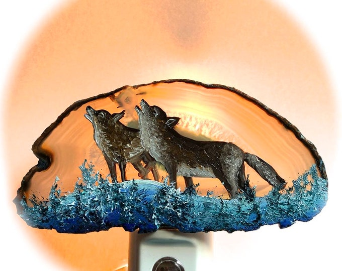 Agate Night Lights  Sensor w 7 watt bulb Hand Painted Oils  Wolves Night Light