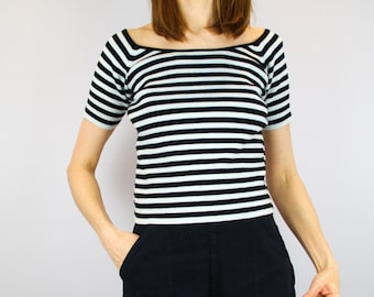 76cd6fd2a84f61 1990 s black   grey striped top   boat neck top   French Breton top   by   Company - Ellen Tracy    knitted cotton Bardot top   grunge   M