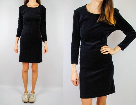 1980s stretch black velvet cocktail dress / vintag