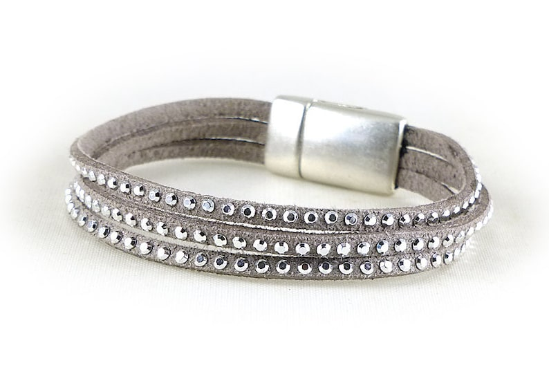 724b022d77 Bracelet clouté Perle en cristal pour les femmes Bracelet | Etsy