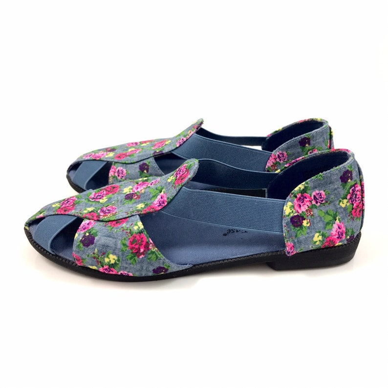 bb70769bca98a 90's rose and denim printed caged flats