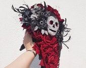 Skull wedding bouquet, alternative, skull handle, brooch bouquet, Gothic inspired, wedding flower, posy bouquet, skull wedding Any Colour