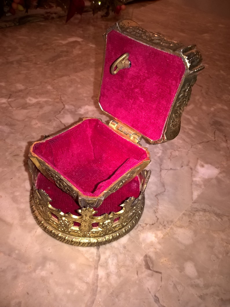 Crown Jewelry Music Box