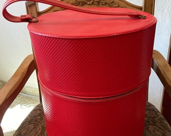 Hat Or Wig Carrier In Lipstick Red