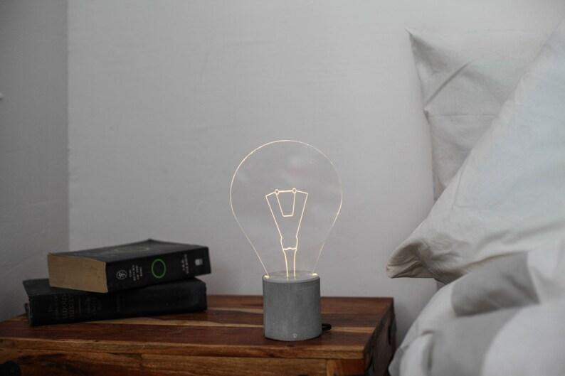 Moderne Lampen 81 : Beton nachttischlampe glühbirne lampe moderne led lampe etsy