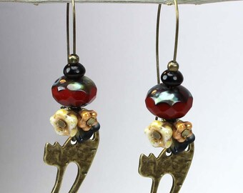 Cat earrings  - Cat lover gifts - Dangle cat earrings -Coupon code-Black friday - Cyber monday.