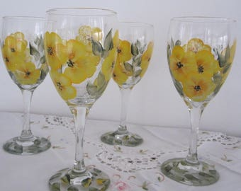 Wine Glasses hand painted Wild Flowers, gift idea for Anniversary, Birthday, Bridal shower, Housewarming, Easter, gift for her, Mother,