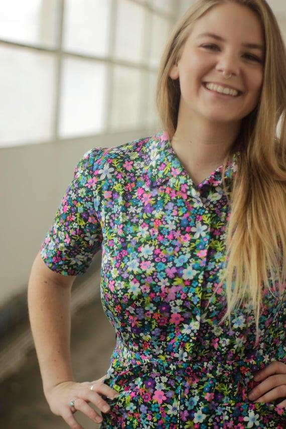 Vibrant psychedelic 60s print dress, Medium - image 4