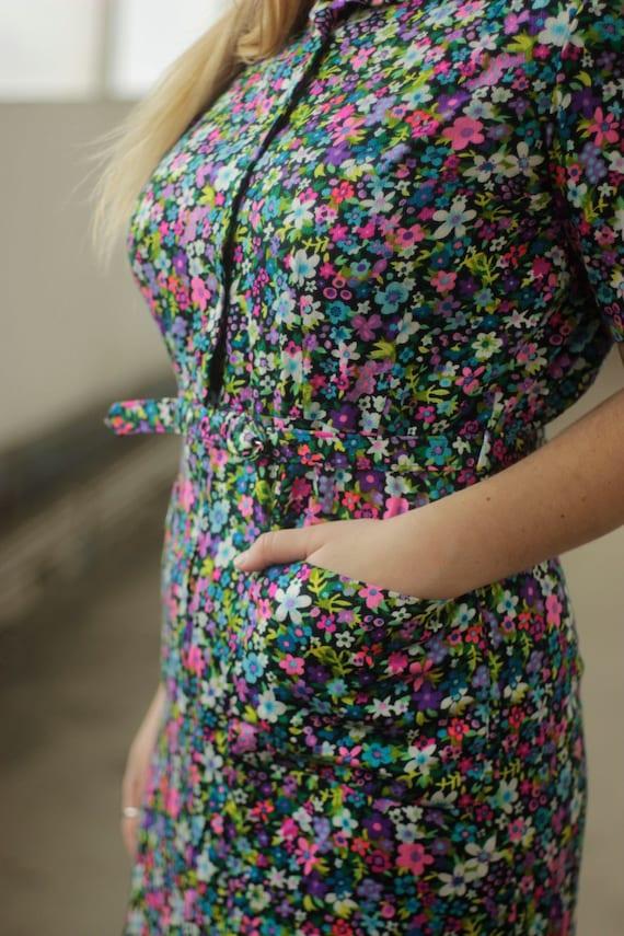 Vibrant psychedelic 60s print dress, Medium - image 6