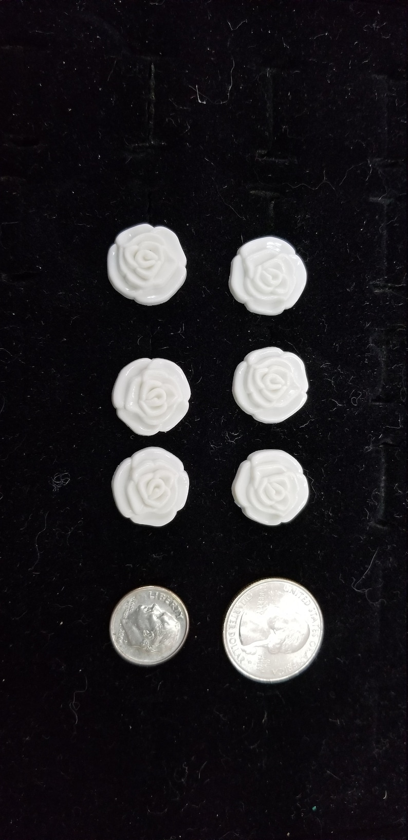 Vintage Dimensional Rose White Colored 6 on lot size 28 with shank buttons