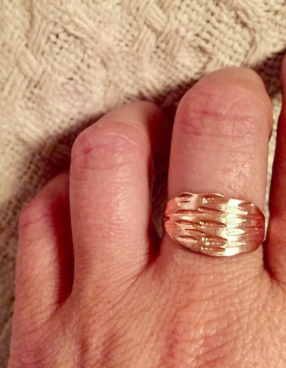 Horizontal rain copper ring
