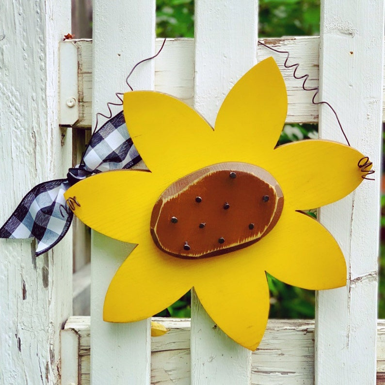 Wood Sunflower Summer Decor Door Hanger Garden Decor Wooden image 0