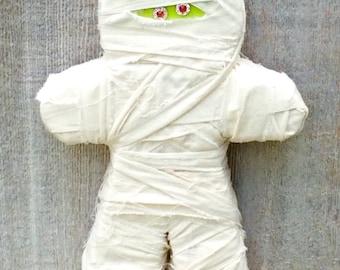 Halloween Decor Mummy, Halloween Decor Chunky Wood Mummy wrapped with Muslin Fabric, Halloween Mummy Wood Craft, Halloween Mummy Decor