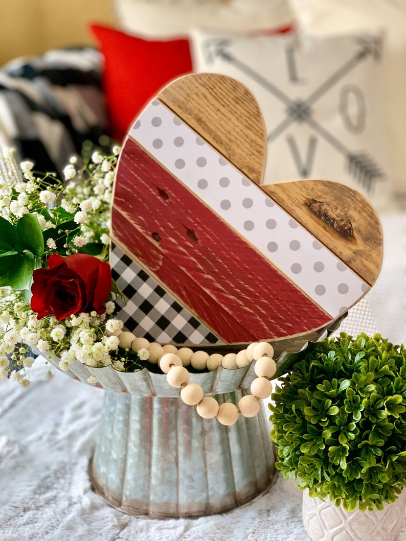 Valentines Day Party Decor and Gift 10 Barn Wood Heart. image 0