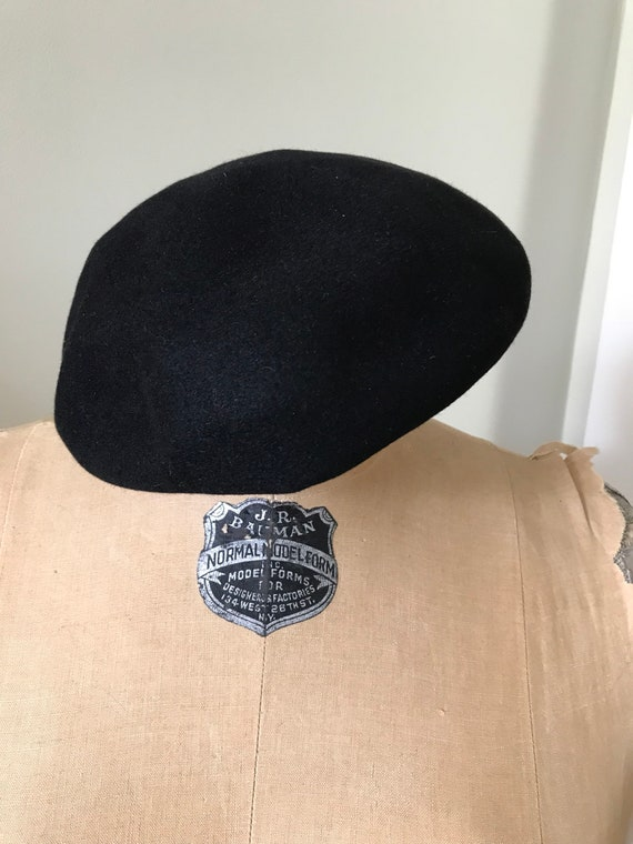 Authentic French Beret /Willoughby Hatter 7 Rue d… - image 4