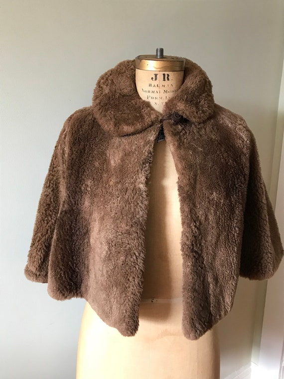 Vintage Fur Capelet / Vintage Fur Shoulder Wtap /