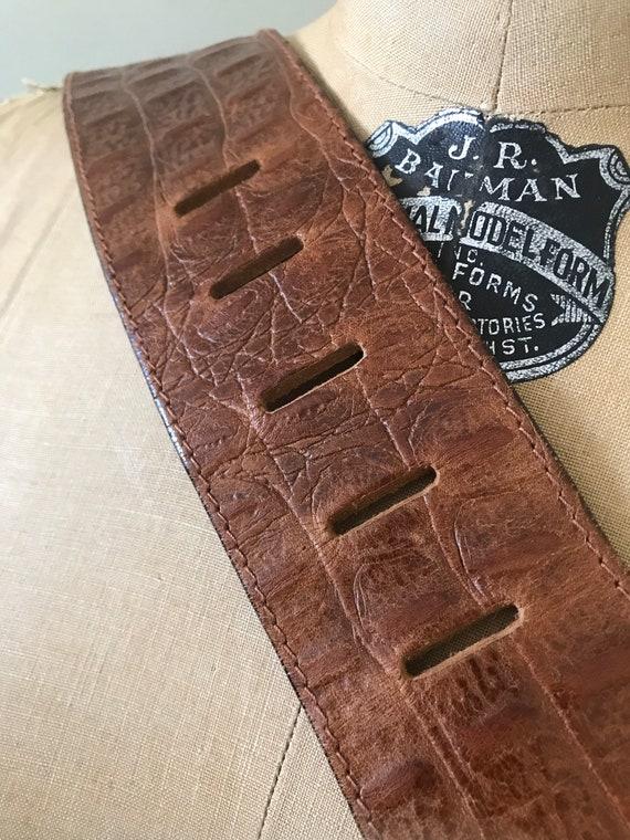 Vintage Accessories/ Wide Faux Alligator Belt / 1… - image 8
