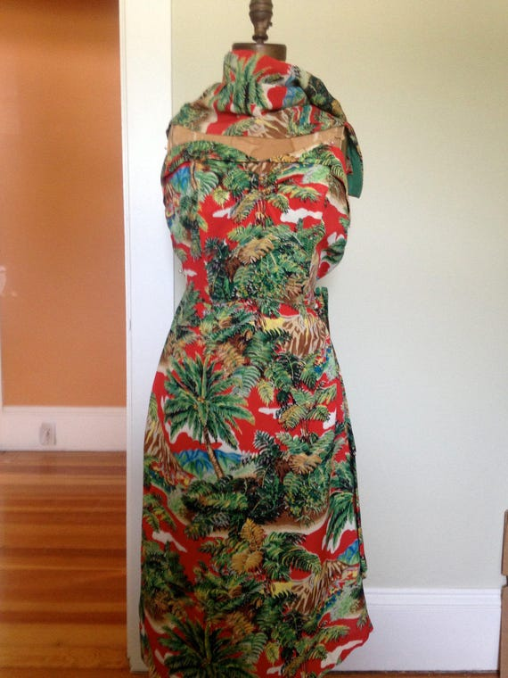 Late 1940's Early 50's Hawaiian Strapless Sarong D