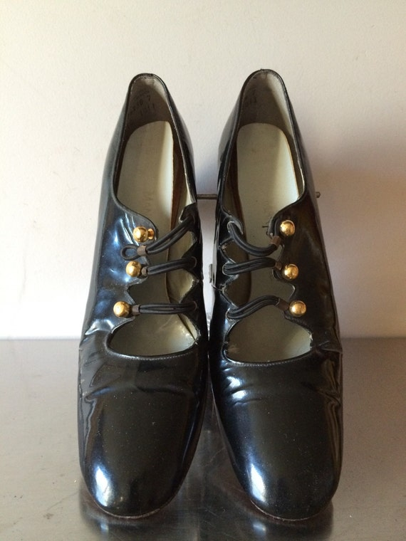 Late 60s Early 70s Patent Leather Mod Shoes / Vint