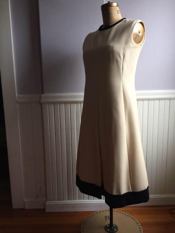 Women's Vintage Clothing / 1970's Empire Waist Kni