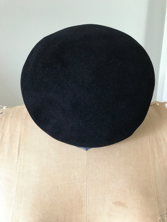 Authentic French Beret /Willoughby Hatter 7 Rue d… - image 6