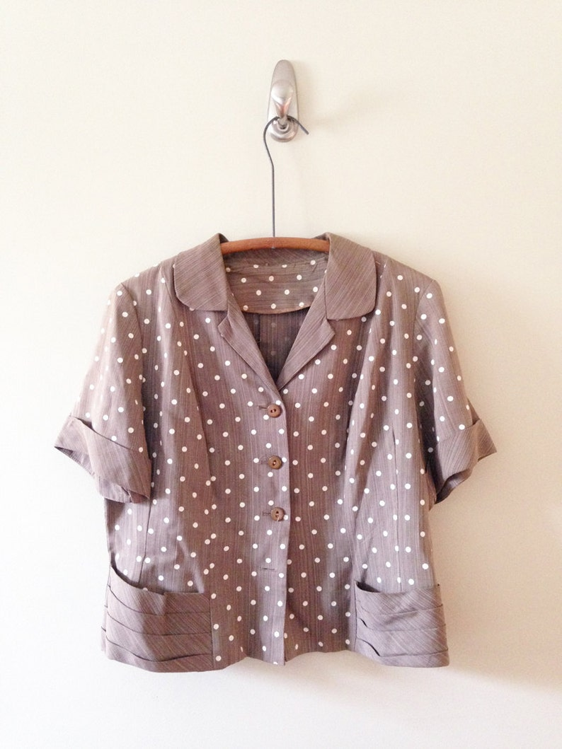 Women/'s Vintage Clothing  Taupe and White Polka Dot Top
