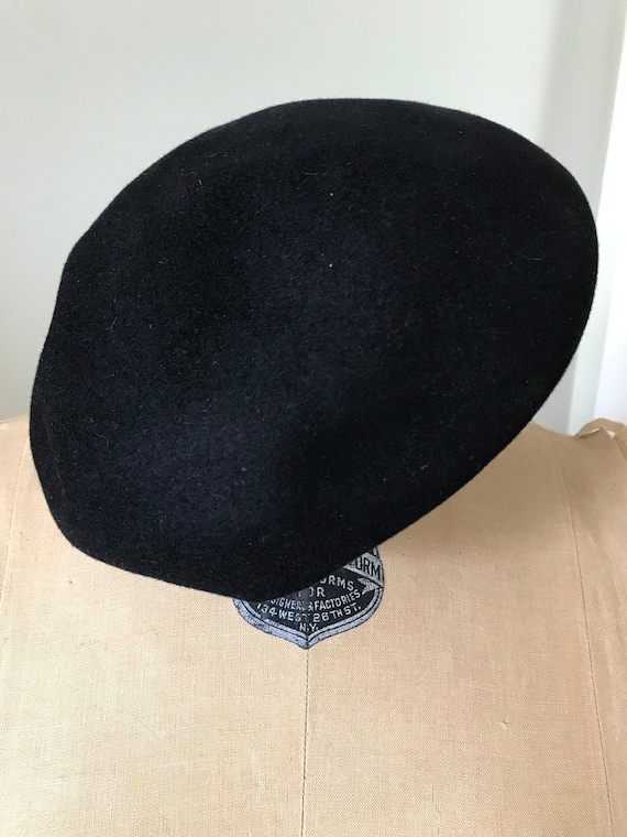 Authentic French Beret /Willoughby Hatter 7 Rue d… - image 7