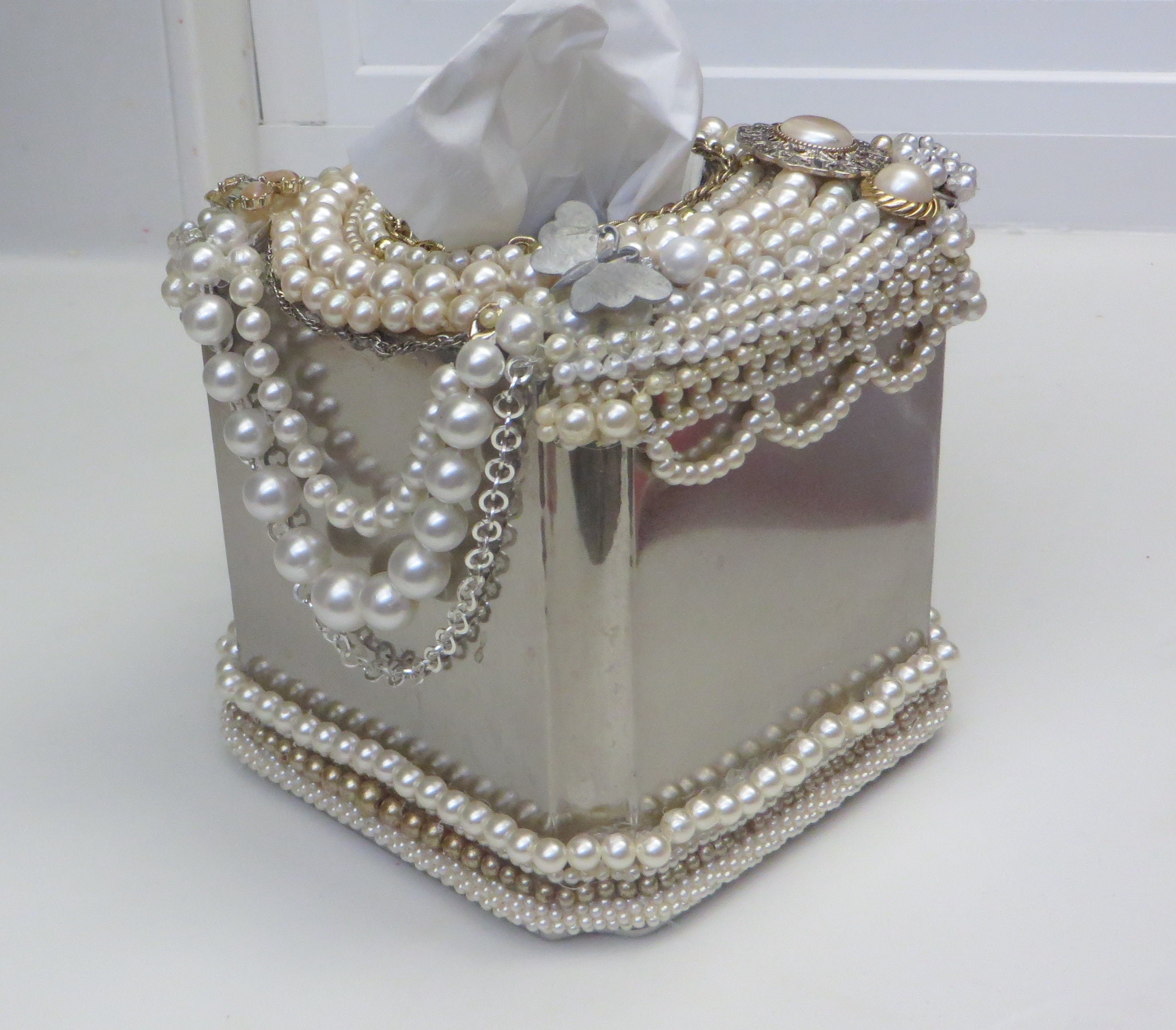 see pics!! jewelry covered jeweled tissue box cover holder kleenex bath  decor ,jeweled kleenex box, pearls. tissue box cover,