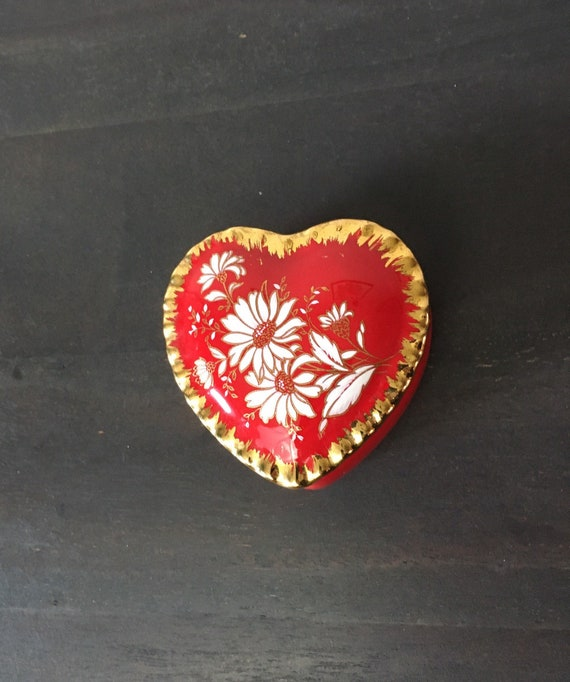 Vintage 1950s Heart Box Red Gold Scallop Ceramic Glazed Trinket Jewelry Container of Love Glam Posh Boudoir Retrocorrect Home