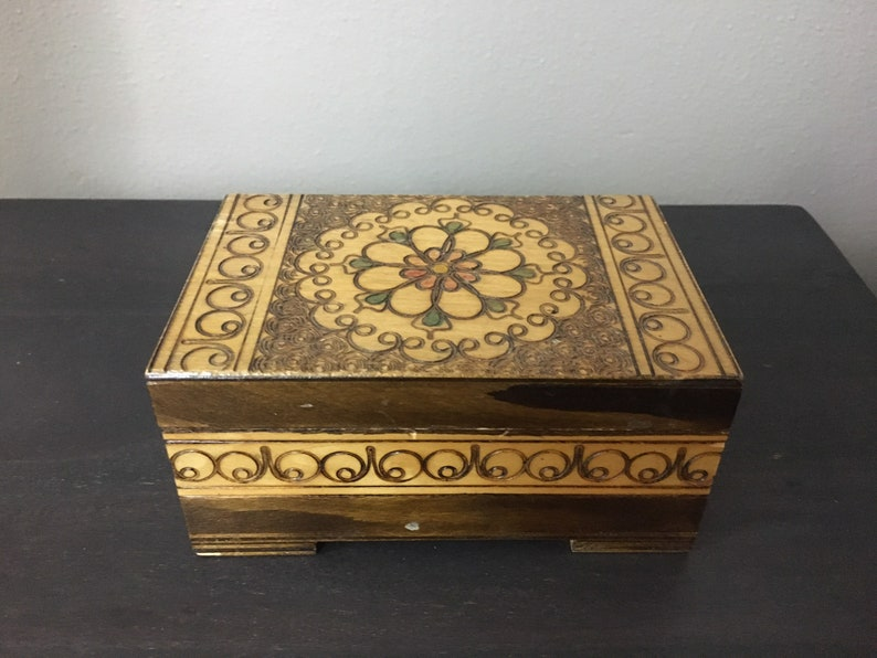 Vintage Hand Carved Box Trinket Jewelry 1970s Pyrography Wooden Footed Lided Made In Poland Collectible Mod Retrocorrect Home Decor