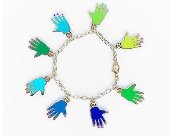 HANDS CHARM BRACELET - green