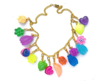 PARTYMIX RESIN NECKLACE 7 - 15 charms