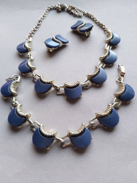 50's Thermoset Earrings Necklace Bracelet set, de… - image 4