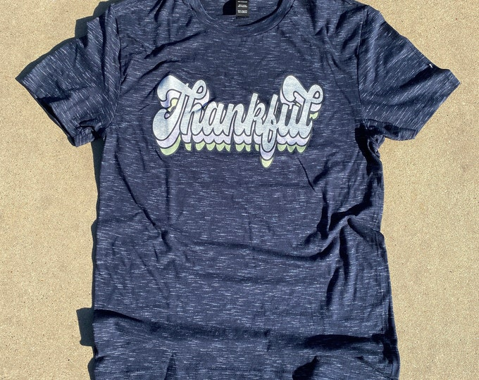 Retro print Thankful Shirt