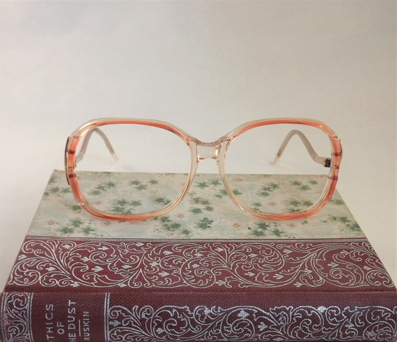 8e5ace56c007 Womens Funky Eyeglasses Salmon Pink and Gold Frames Vintage