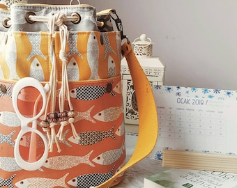 Retro Fishes Bucket Bag