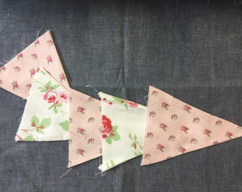 Vintage Style Bunting Flags - 5 Flags