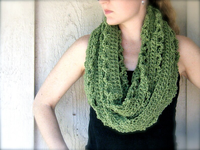 PATTERN: 4 Ways to Wear It Hoja Cowl easy crochet PDF image 0