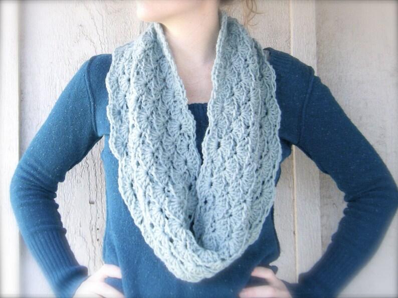 PATTERN: Erin Cowl Easy crochet pattern PDF infinity scarf image 0