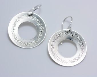 "Sterling Silver Embellished 1""Wreath Hoops"