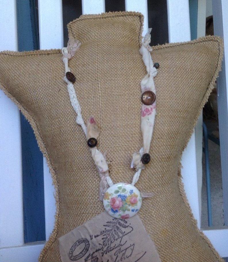 rose necklace Porcelian cottage flower button necklace shabby chic wedding necklace flower buttons shabby chic necklace