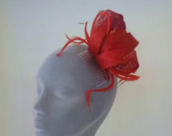 BETHANY Poppy Red Fascinator Hat Headpiece Hatinator for Weddings Mother of Bride Ladies Day Royal Ascot Kentucky Derby Dubai Races