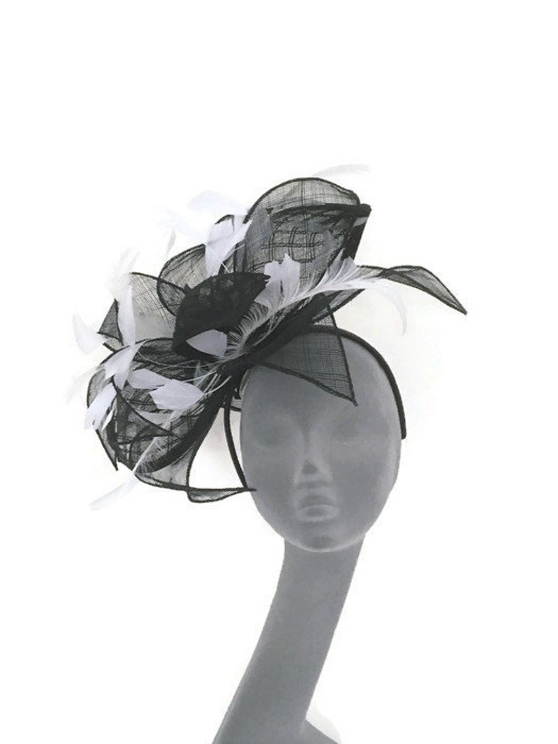 Black /& White Fascinator Hatinator Hat Headpiece for Weddings Mother of Bride Kentucky Derby Royal Ascot Ladies Day Races TILLY