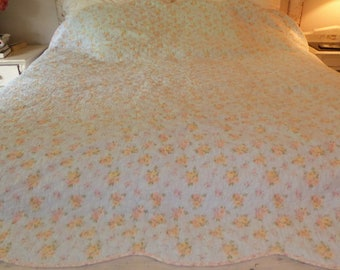 """Reversible Cotton Quilt Blue to Pink Scalloped Edge Full/Queen 95""""x 90"""""""