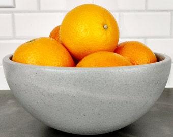 Concrete Bowl / Small Fruit Bowl / Kitchen Bowl / Modern Kitchen Decor / Kitchen Table Decor / Fruit Display / Fruit Platter / Industrial