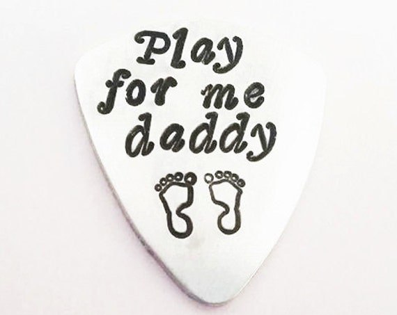 Play for Me Daddy guitar pick, Dad Guitar Pick Father Gift Guitar Pick Grandpa plectrum Father's Day Birthday Christmas gift, footprints him