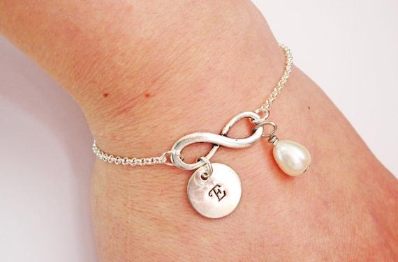 Personalized Infinity Bracelet with Initials and birthstone, Infinity Mother Bracelet, Infinity Initial Bracelet, Monogram, Mom Bracelet