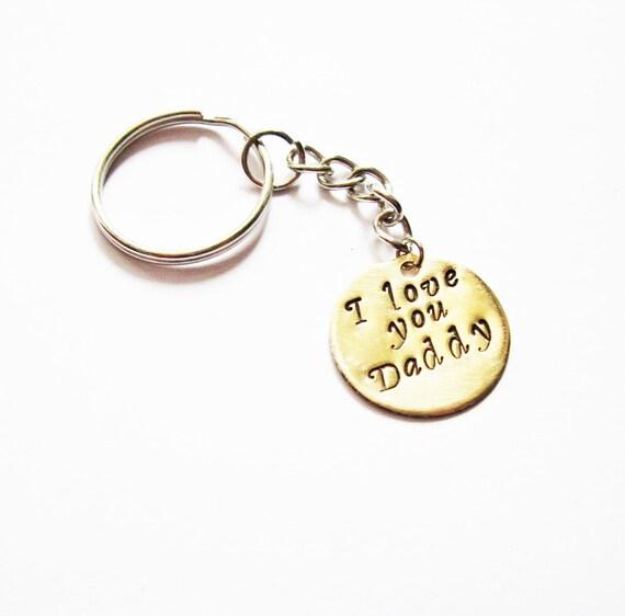 Daddy keychain, Fathers day Keychain, Personalized Keychain, Metal Keychain Hand Stamped, fathers day gift idea, I love you Daddy disc charm