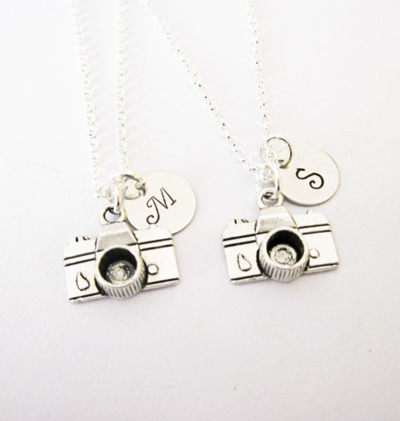 2 personalized best friend camera necklaces, set of two, antique silver initial camera charm, photographer gift, photography necklace,custom